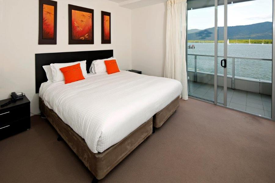 Link. Holiday Accommodation Cairns   Cairns Luxury Apartments   Harbour