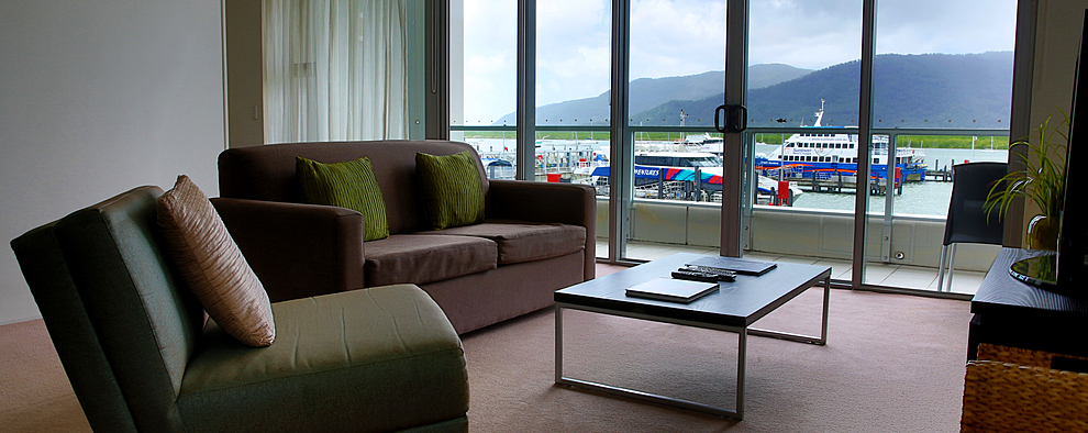 Holiday Accommodation Cairns   Cairns Luxury Apartments   Harbour Lights  Complex   One Bedroom Harbour View Apartments Cairns. Holiday Accommodation Cairns   Cairns Luxury Apartments   Harbour
